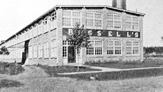 Bissell Carpet Sweeper of Canada opened in 1907 on Drummond Road, and later moved to Montrose Rd. After 77 years of making rug & carpet cleaners in Niagara Falls, the factory closed in Carpet Cleaners, Niagara Falls, Rugs On Carpet, Louvre, Canada, History, Building, Travel, Construction