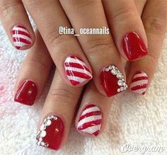 Polish Christmas Nail Art Designs - 47 Christmas Nail Art Designs to Inspire You! Find them all right here - http:christmas-nail-art-designs Fancy Nails, Love Nails, Pretty Nails, Bling Nails, Pretty Makeup, Simple Makeup, Christmas Nail Art Designs, Holiday Nail Art, Christmas Nail Polish
