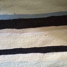 Írtam már itt a blogban, hogy a varrás mellet szőni is nagyon szeretek. Ez a tevékenységem akkor teljesedett ki igazán, mikor kaptam egy szövőállványt (addig csak keretem volt). A fonal az kinőtt, … Handmade Rugs, Weaving, Contemporary, Home Decor, Decoration Home, Room Decor, Knitting, Crocheting, Stitches