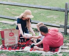 How to Plan the Perfect Picnic with No Cooking or Clean-Up! Picnic Recipes, Picnic Ideas, Picnic Foods, Mom Blogs, Clean Up, Friends Family, Lifestyle Blog, How To Plan, Cooking