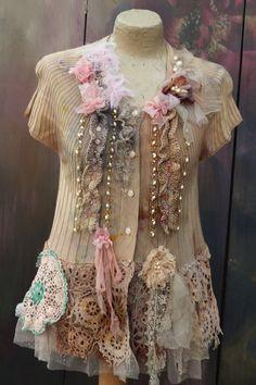 Cardi in riva al mare romantico bohémien alterato couture