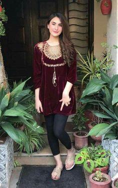 Trendy Dress Casual Winter Pakistani Ideas, Source by Dresses indian Pakistani Fashion Casual, Pakistani Dresses Casual, Pakistani Dress Design, Indian Dresses, Indian Outfits, Velvet Pakistani Dress, Pakistani Couture, Stylish Dresses, Simple Dresses