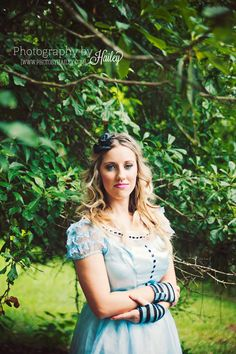 Alice in Wonderland Photography #FairytalePhotography #FantasyPhotography #DarkDisney #PhotographyByHailey