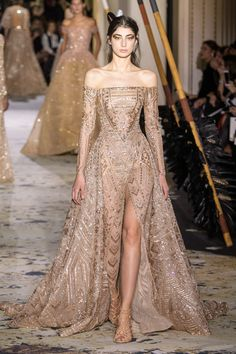 Zuhair Murad Frühjahr/Sommer 2018 - Couture - Another! Haute Couture Gowns, Elie Saab Couture, Style Haute Couture, Couture Mode, Couture Week, Paris Couture, Spring Couture, Fashion Week, Runway Fashion