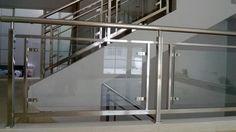 Railing tangga stainless steel dengan kaca. http://aeerajayasteel.co.id #stainless #stainlesssteel #homedecor #furniture #property #design