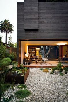 Front garden design with gravel - you want to give a striking front yard?