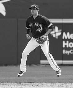 Before every pitch, he does this in anticipation. by John Lott Always with the tongue sticking out hahaha Ryan Goins, the Lil Bub of baseball players. Toronto Blue Jays, Baseball Players, Bowling, Pitch, Cute Boys, Eye Candy, Sporty, Dreams, Beautiful