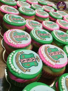 AKA sorority themed cupcakes