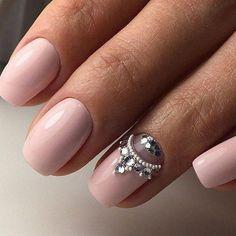 50 Elegant Nail Art Design for Perfect Winter Ideas 46 Elegant Nail Art, Elegant Nail Designs, Simple Nail Art Designs, Trendy Nail Art, New Nail Art, Nail Art Diy, Rhinestone Nails, Bling Nails, Nail Art Rhinestones