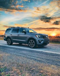 You can pay 589/mo for 36 months with NO MONEY DOWN on 2019 Expeditions! #regram via @jultorq Best Family Cars, Lincoln Aviator, Ford Excursion, Used Ford, Super Sport Cars, Ford Expedition, New View, Car Ford, Ford