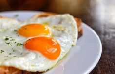 Le uova apportano numerosi nutrienti all'organismo e possono essere mangiate più volte al giorno