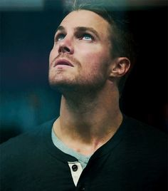 Oliver Queen. Gorgeous. But... S3 E9...
