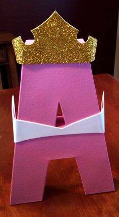 Make your birthday girl's day with princess themed letters of her name. Use cardboard letters painted and decorated for your favorite princesses. Princess Aurora Party, Disney Princess Birthday Party, Princess Theme Party, Girl Birthday, Birthday Crowns, Princess Sophia, Cinderella Party, Princess Bubblegum, Birthday Ideas