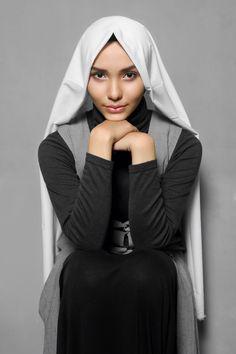 Anggrek hijab // photographed/mua/styled: danybarca // wardrobe: niken warsito // muse: fita