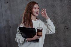 Street style: Lee Seong Kyeong at Seoul Fashion Week Spring 2015 shot by Kim Kyung Hun Lee Sung Kyung Photoshoot, Lee Sung Kyung Fashion, Swag Couples, Seoul Fashion, Asian Fashion, Weightlifting Fairy Kim Bok Joo, Joo Hyuk, Korean Star, Korean Actresses