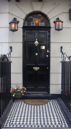 A Classic London Entrance~ Sherlock and Watson's Home in Baker Street Grand Entrance, Entrance Doors, Doorway, Front Doors, Front Stoop, Portal, 221b Baker Street, Front Entrances, Door Knockers