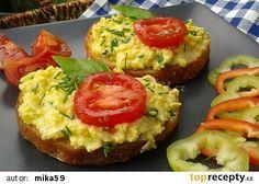 Míchaná vejce s cuketou a mozzarellou recept - TopRecepty.cz No Salt Recipes, Mozzarella, Baked Potato, Sushi, Salads, Muffin, Paleo, Food And Drink, Potatoes