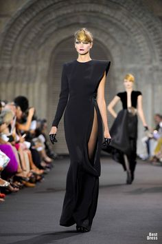Stephane Rolland #HOUTE COUTURE 2011/2012, #fashion Minimalist but formal plush pleather