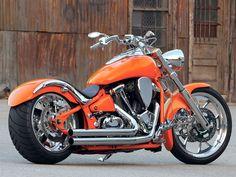 Las motos chopper o customs Moto Bike, Cruiser Motorcycle, Motorcycle Outfit, Kawasaki Vulcan 2000, Kawasaki Vulcan 900 Custom, Concept Motorcycles, Cool Motorcycles, Custom Bobber, Custom Bikes