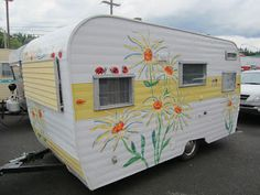 """Daisy"" Painted vintage camper - flower power 