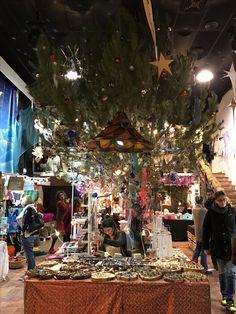 Mercadillo de Las Dalias: Todos los sábados del año. Hoy, último día del mercadillo de Navidad. Las Dalias hippy market, every Saturday, all year round. Today, last day of Christmas market.