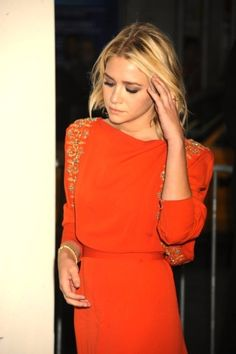 Ashley Olsen does the tangerine tango.