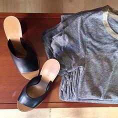 "PIXXY Fashion and Retail on Instagram: ""Black mule sandals dress up summer basics at @jcrew #mules #sandals #chunkyheels #muleshoe #tshirt #grey #jcrew #Pixxy"""