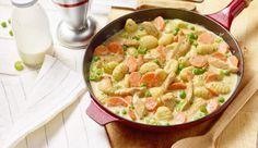 Gemüse, Hähnchen und Gnocchi in einer cremigen Sauce