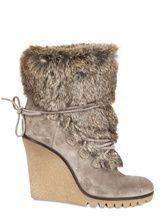 (insta-cosy everyday fabulous)  Fur + Boot=  FRUIT