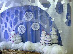 Новогоднее оформление музыкального зала в детском саду Фото