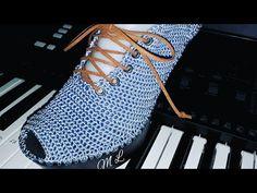 Crochet Shoes, Crochet Slippers, Crochet Flower Tutorial, Crochet Flowers, Make Your Own Shoes, Spring Boots, Unique Shoes, Crochet Videos, Shoe Collection
