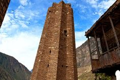 Across the remote regions of western Sichuan and Tibet, there are hundreds of rock towers, some of which date back as far as 1,700 years and stand up to 50 meters tall. A small number of preservationists are striving to save the towers. The masonry techniques and architecture of the towers point to kingdoms much more sophisticated than previously imagined. Some of the towers are star-shaped with between five and 13 points – an anti-earthquake feature also found on structures in India, Iran…