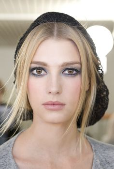 I Love this make-up from the chanel Autumn/winter collection <3