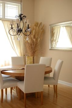 25 Ideas Kitchen Colors Sherwin Williams Kilim Beige For 2019 Beige Dining Room, Dining Rooms, Dining Tables, Beige Room, Interior House Colors, Interior Design, Interior Paint, Beige Walls, Beige Paint