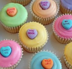 Adorable Easy to Make Sweet Heart Valentine Cupcakes!