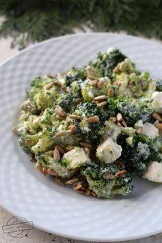 Sałatka brokułowa z fetą – Smaki na talerzu Anti Pasta Salads, Pasta Salad Recipes, Diet Recipes, Cooking Recipes, Healthy Recipes, Healthy Food, Recipies, Appetizer Salads, Appetizer Recipes