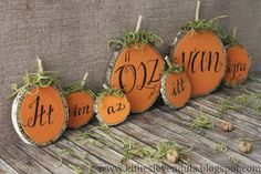 Croissant and Lavender: Autumn decoration from trunk . Thanksgiving Crafts, Fall Crafts, Diy And Crafts, Hello Autumn, Fall Wreaths, Diy Paper, Holidays And Events, Classroom Decor, Christmas Ornaments