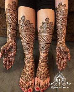 Simple Mehendi designs to kick start the ceremonial fun. If complex & elaborate henna patterns are a bit too much for you, then check out these simple Mehendi designs. Mehndi Designs Feet, Legs Mehndi Design, Latest Bridal Mehndi Designs, Full Hand Mehndi Designs, Mehndi Designs 2018, Henna Art Designs, Mehndi Designs For Girls, Mehndi Designs For Beginners, Wedding Mehndi Designs