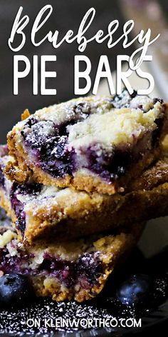 This Blueberry Pie Bars Recipe is the perfect dessert recipe for blueberry lovers Loaded with fresh blueberries these buttery bars are great for any occasion # Mini Desserts, Easy Desserts, Delicious Desserts, Yummy Food, Health Desserts, Oreo Dessert, Easy Dessert Bars, Blueberry Pie Bars, Blueberry Desserts