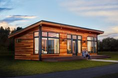 Aspen Model Home Evening Glory Exterior Final - Prefab Homes Tiny House Big Living, Modern Tiny House, Tiny House Cabin, Tiny House Design, Small House Plans, Small House Exteriors, Tiny Cabins, Cabins And Cottages, Br House