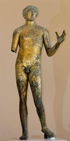 Apollon - Bronze doré, œuvre gallo-romaine, IIe siècle de notre ère - Découvert en 1823 à Lillebonne (Normandie), près du théâtre antique.