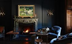 Gedämpfter Luxus: Landhotel Heckfield Place in England - Boudoir - dekoration Country Hotel, Country House Hotels, Luxury Interior, Room Interior, Interior Design, Bar Interior, Suite Room Hotel, Boudoir, Blue Lounge