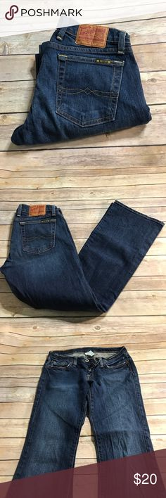 "Lucky Brand BootCut Jeans ✨ Lucky Brand Lil Maggie Jean Short Length 💕 Size 6/28💕 Inseam 29 1/2""  ⁉️Need more information or measurements? Please don't hesitate to ask  ❌Sorry, I am unable model items!  ✅ Fast Shipper: Shipping Same Day/Next Day  🚫I do not trade items/ No returns  💕I do accept REASONABLE offers ☺ Lucky Brand Jeans Boot Cut"