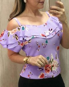 blusas mujer de moda 2019 women's blouse shirt Women Casual Off Shoulder Floral Print Blouse Short Sleeve Loose Top Shirt Tee Blouse Styles, Blouse Designs, Trend Fashion, Ladies Fashion, Style Fashion, Fashion Design, Loose Shirts, Casual Tops, African Fashion