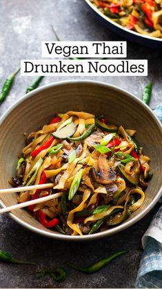 Vegan Noodles Recipes, Healthy Noodle Recipes, Asian Noodle Recipes, Easy Asian Recipes, Vegan Dinner Recipes, Thai Recipes, Vegan Dinners, Cooking Recipes, Vegetarian Rice Noodle Recipes