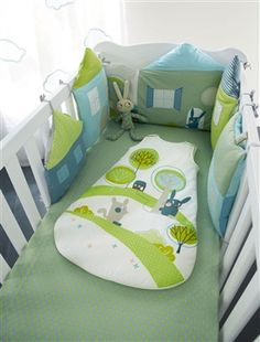 Protector de cuna modulable tema Conejitos, Habitación bebé