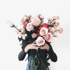 Flower styling | Pink roses | flowers styled | floral photography | Flower in front of face | dreamy flower arrangement