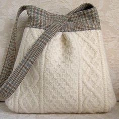Ivory Cable Knit and Plaid BELLA Purse Upcycled by FeltSewGood - great way to use old sweaters! Recycled Sweaters, Wool Sweaters, Pullover Upcycling, Alter Pullover, Diy Sac, Old Sweater, Fabric Bags, Knitted Bags, Handmade Bags