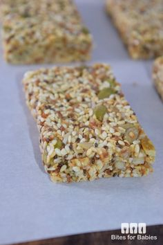 These chewy sesame seed bars are packed with superfoods, raw nuts, and natural, organic sweeteners. They are a mix of salty and sweet all in one bite! Cheese Nutrition, Nutrition Bars, Vegetable Nutrition, Child Nutrition, Sesame Seed Bars Recipe, Sesame Seeds Recipes, Healthy Bars, Healthy Snacks, Healthy Breakfasts