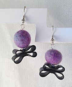 Upcycled Inner Tube and Felted Ball by PixiePawsShop on Etsy, $11.50  http://etsy.com/shop/pixiepaswshop